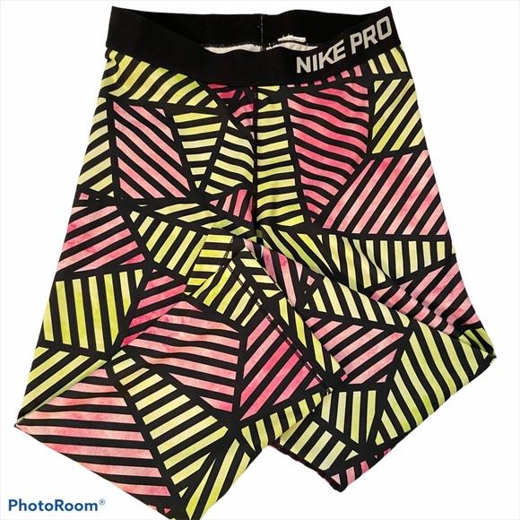 Nike Pro Geo Pastel Capri Leggings Med